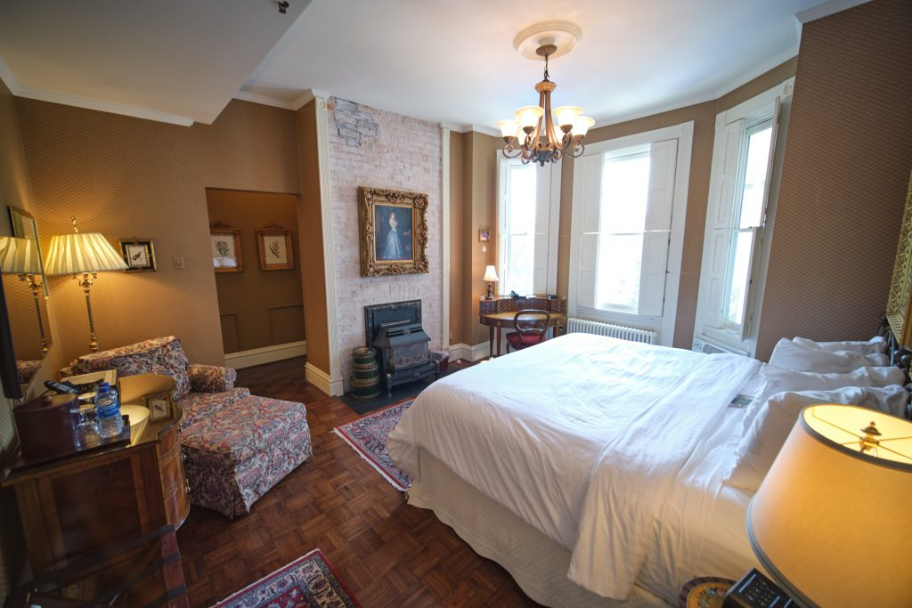 Arkansas Black suite