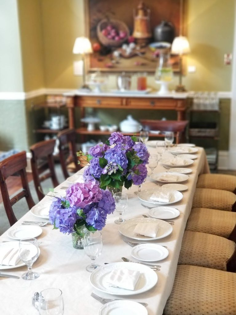 Special event table setting